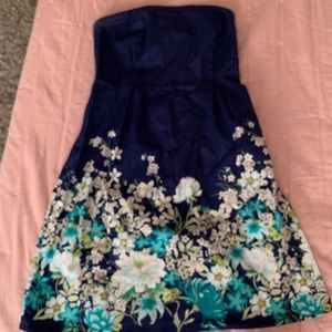 Like new strapless dress with stretch